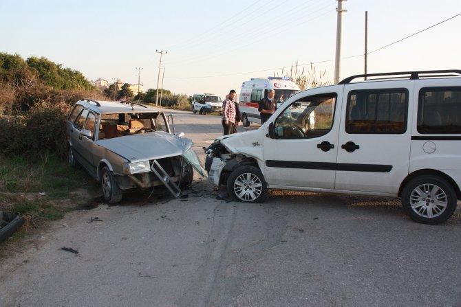 Ehliyetsiz çocuk sürücünün sebep olduğu kazada 3 kişi yaralandı