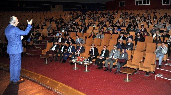 Prof. Dr. Nurullah Genç Üniversitelilerle Buluştu