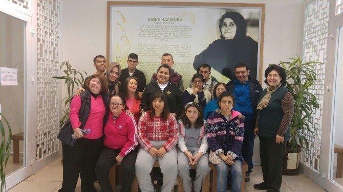 Özel Öğrenciler Hacıkura Kütüphanesini Ziyaret Etti