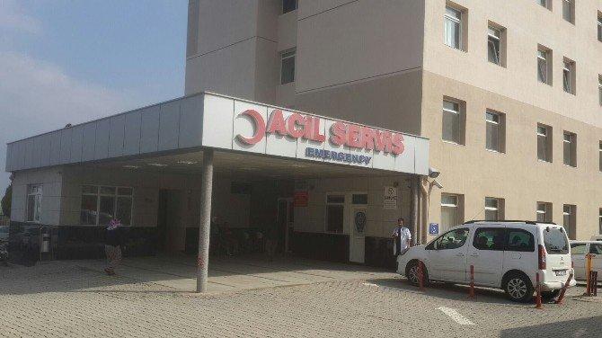 Kemalpaşa'da 11 Öğrenci Hastaneye Kaldırıldı