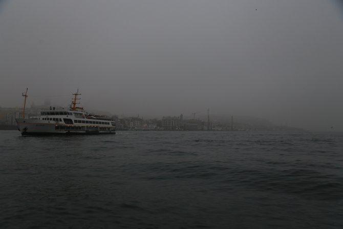 Boğaziçi Köprüsü siste kayboldu