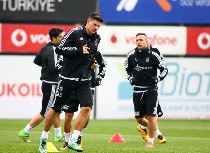 Beşiktaş, Fenerbahçe maçının hazırlıklarını sürdürdü