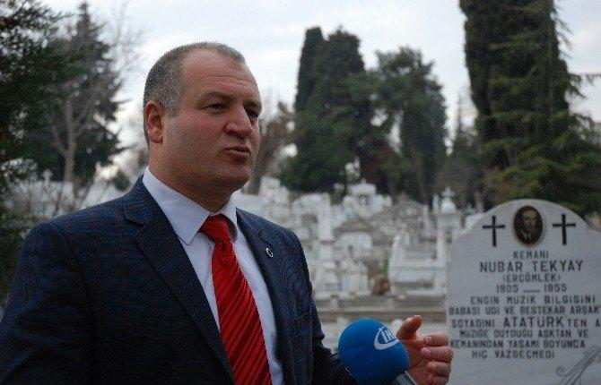 """Gülbey: """"Artin Penik'in Mezarı Siyasi Duruşu Nedeniyle Bakımsız"""""""