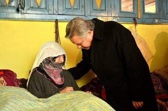 Vali Kahraman'dan 100 Yaşındaki Şehit Anasına Ziyaret
