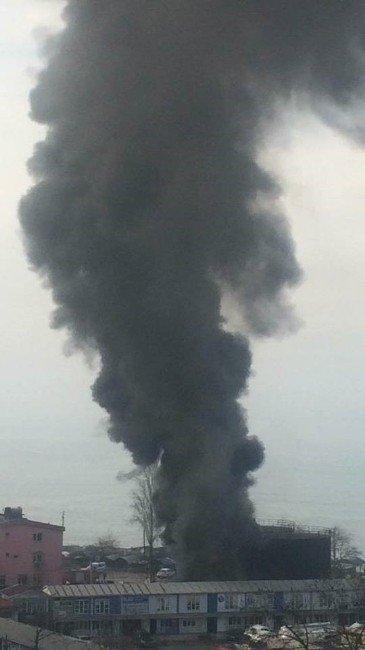 Zift Tankında Çıkan Yangın Korkuttu