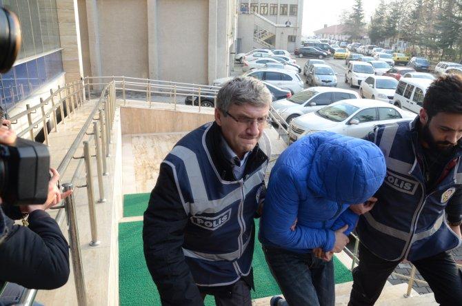 Boğazı kesilerek öldürülen Necla Sağlam olayının şüphelileri adliyeye çıkarıldı