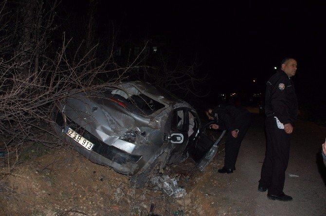 Trafik Kazası Sonrası Yolu Trafiğe Kapattılar