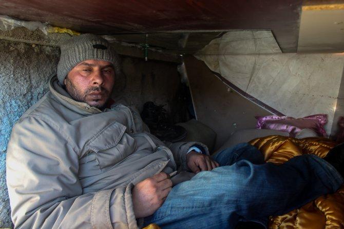 Iraklı sığınmacı 3 yıldır tabut büyüklüğündeki barakada yaşıyor