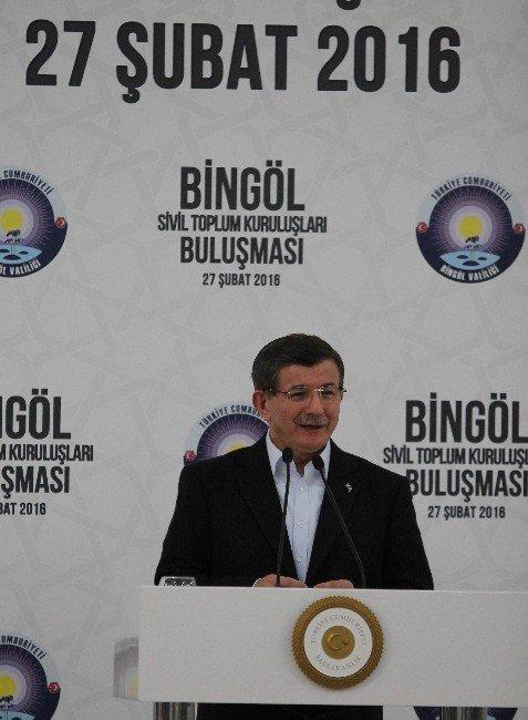 Başbakan Davutoğlu Bingöl'de STK'larla Buluştu