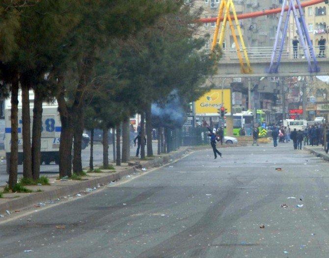 Diyarbakır Savaş Alanına Döndü: 1 Ağır Yaralı