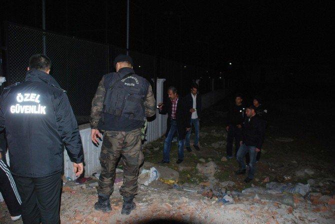 Teröristler Gençlik Merkezine Saldırdı