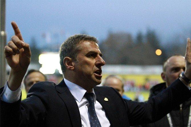 Hamzaoğlu'nu Kızdıran Galatasaray Tezahüratı