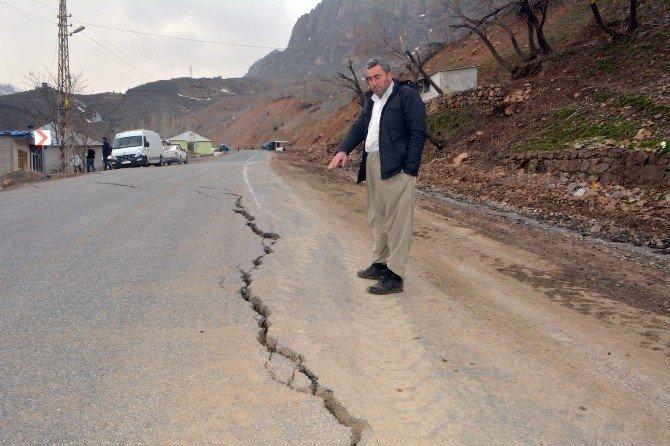 Hakkari-şırnak Kara Yolu Tehlike Saçıyor
