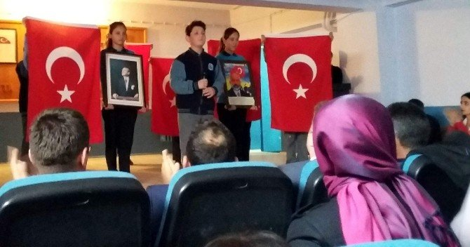 İstiklal Marşı'nı Güzel Okuma Yarışmasında Duygulu Anlar Yaşandı