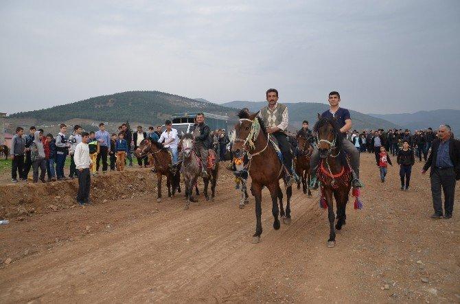 Türkoğlu'nda AT Yarışları