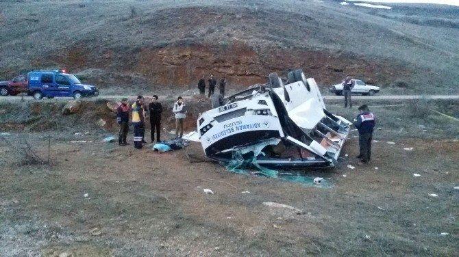 Adıyamanlı Hentbolcuları Taşıyan Minibüs Kaza Yaptı: 1 Ölü, 12 Yaralı
