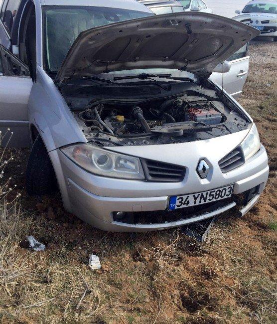 Otomobil Durmayınca Tekerleğine Ateş Edildi