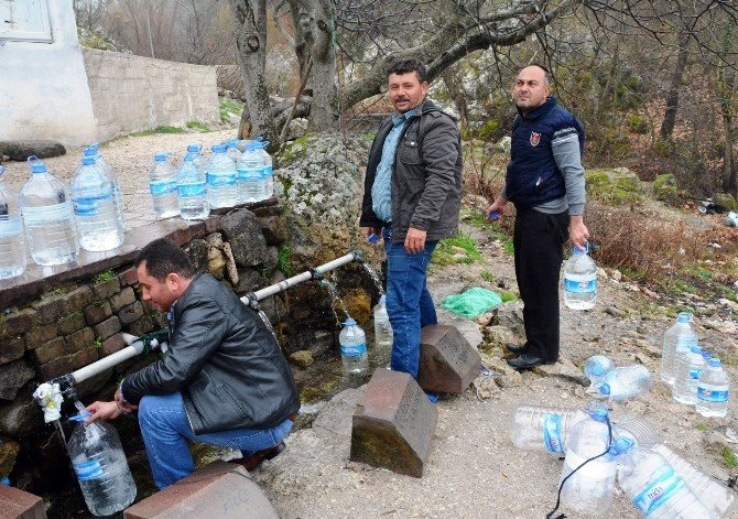 Yaralı Pınar Şifa Dağıtmaya Devam Ediyor