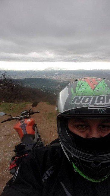 Motosikletiyle Menfeze Çarparak Yaşamını Yitirdi