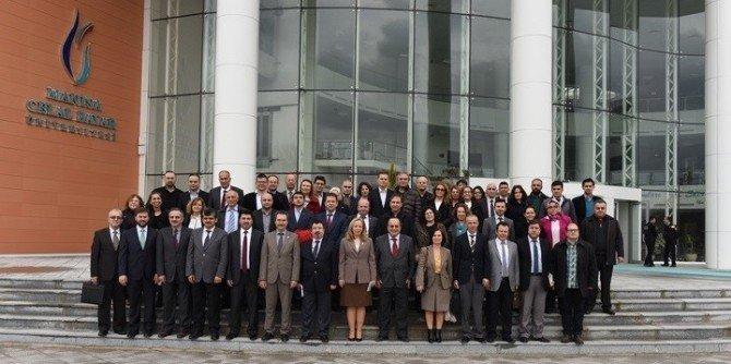 Prof. Dr. Sarıbıyık Manisa'da İntörn Eğitimi Semineri Verdi