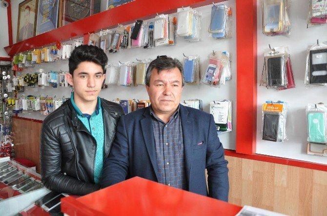 Telefon Çalan Hırsız Hamam Sefasında Yakalandı