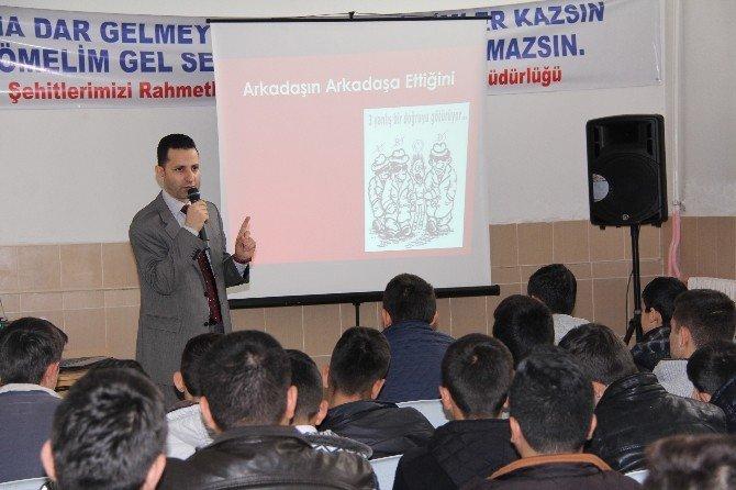 Öğrencilere 'Terör' Konferansı