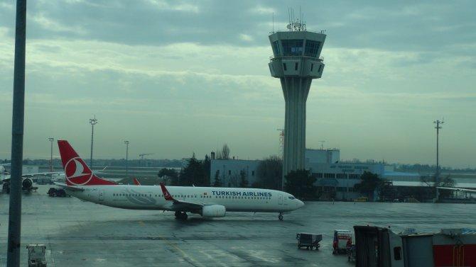 Pilotlar havalimanında drone aradı