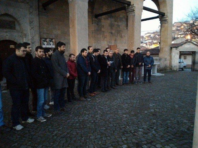 AK Partili Gençler, 28 Şubat'ı Lanetledi
