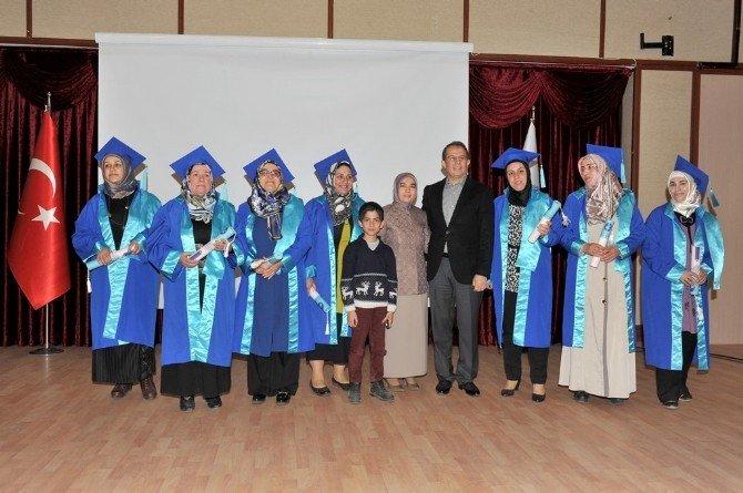 """Van'da """"Anne Üniversitesi"""" Projesi Mezuniyet Töreni"""