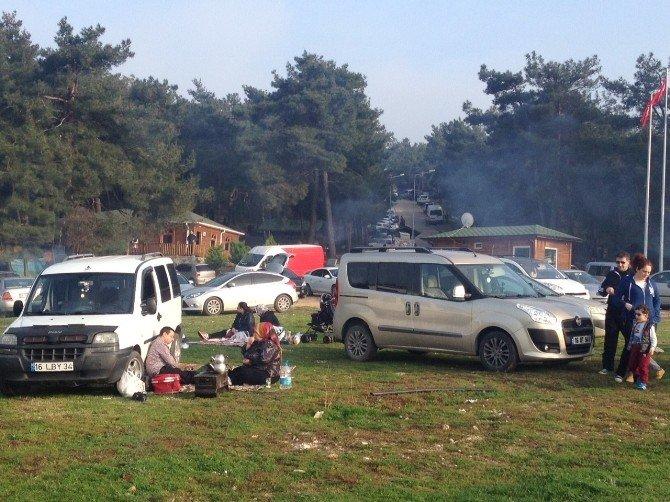 Bursa'da Piknik Alanları Doldu Taştı
