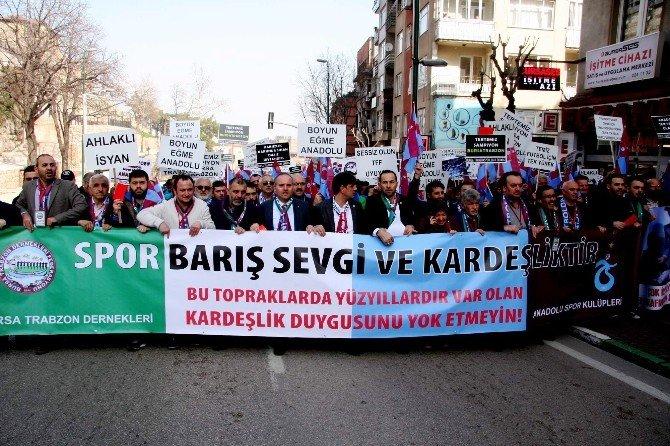 Trabzonspor Ve Bursaspor Taraftarından Horonlu Tepki