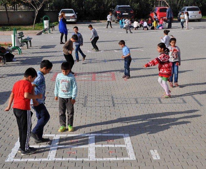 Okullarda Öğrencilerin Oyun Alanları Yükümlülerden