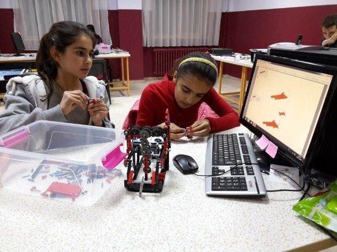 Digor Robot Bilim Takımı Ankara'da Kars'ı Temsil Etti