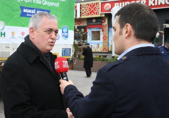 'Suriyeli Kardeşim Yardım' Kampanyası Tır'ları Eyüp'ten Dualarla Uğurlandı