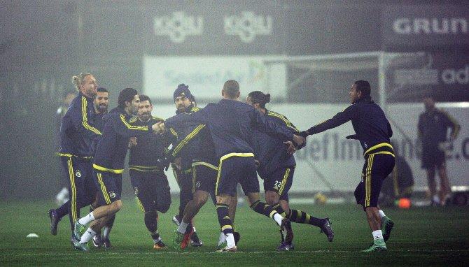 Fenerbahçe, çalıştı ve derbi için kampa girdi