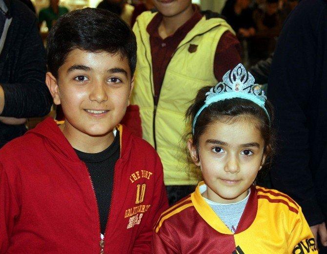Semih Kaya'ya Gaziantep'te Sevgi Seli