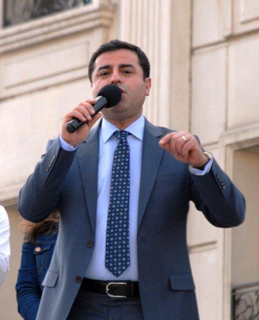 """Demirtaş: """"Çatışmalar Dursun, Silahlar Sussun"""""""
