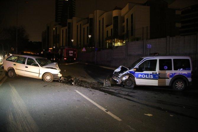 Polis aracı ile şüpheli otomobil kafa kafaya çarpıştı: 1 ölü, 2 yaralı