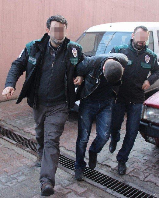 Uyuşturucudan Yakalandı, Gazeteciyi Tehdit Etti