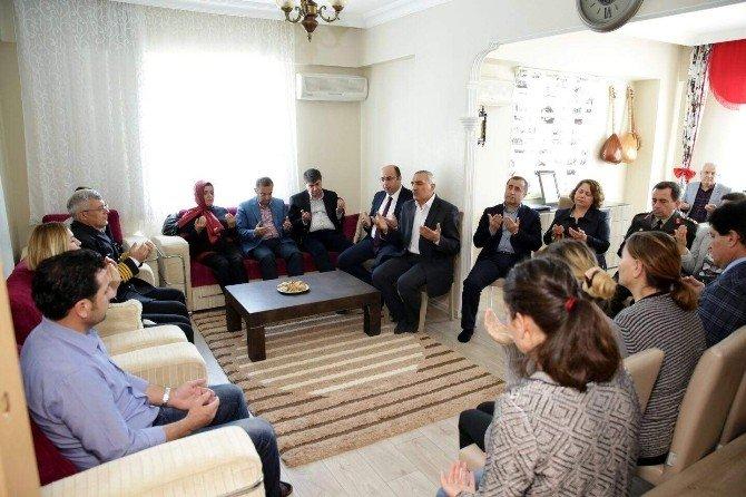 Antalya Protokolünden Şehit Evine Taziye Ziyareti