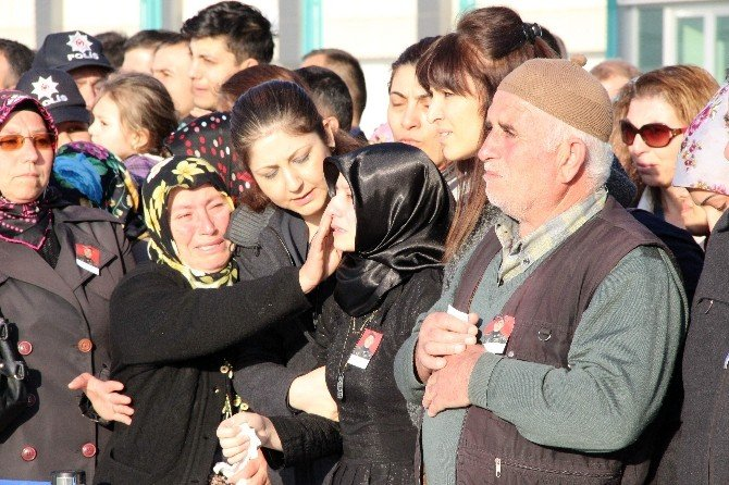 Şehit Polisin Cenazesi Konya'ya Getirildi