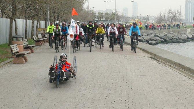 Engelli bisikletçi, azmin zaferi için pedal çevirdi