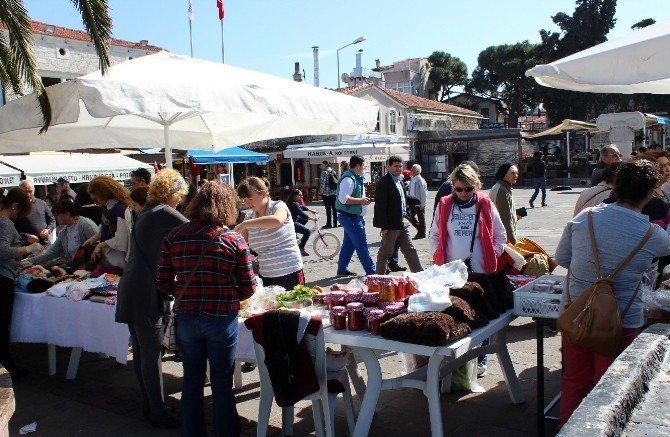 İzmir Ve Manisalılar Hafta Sonu Foça'ya Aktı