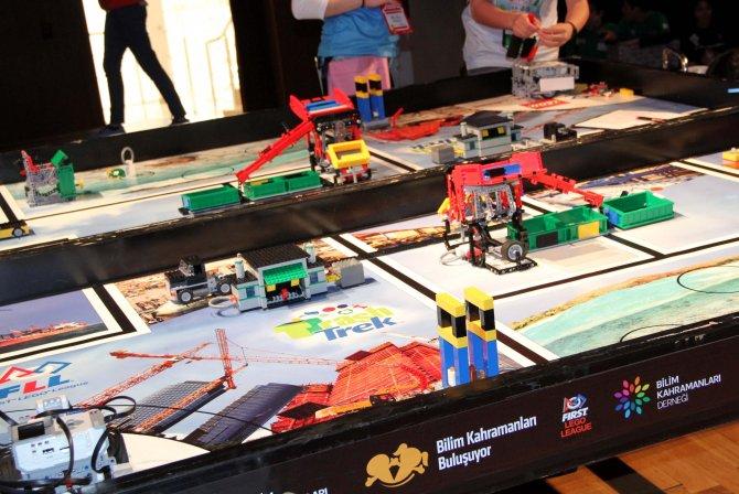 Bilim kahramanı robotlar çöpsüz bir dünya için yarıştı
