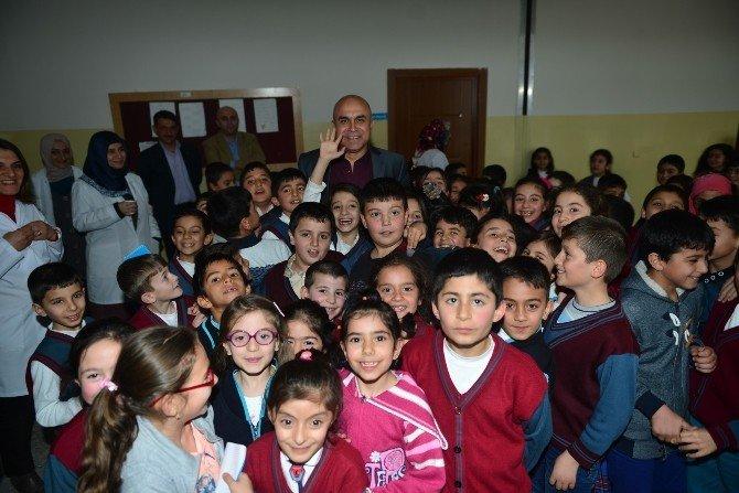 Ali Korkut, Öğretmen, Öğrenci, Okula Destek