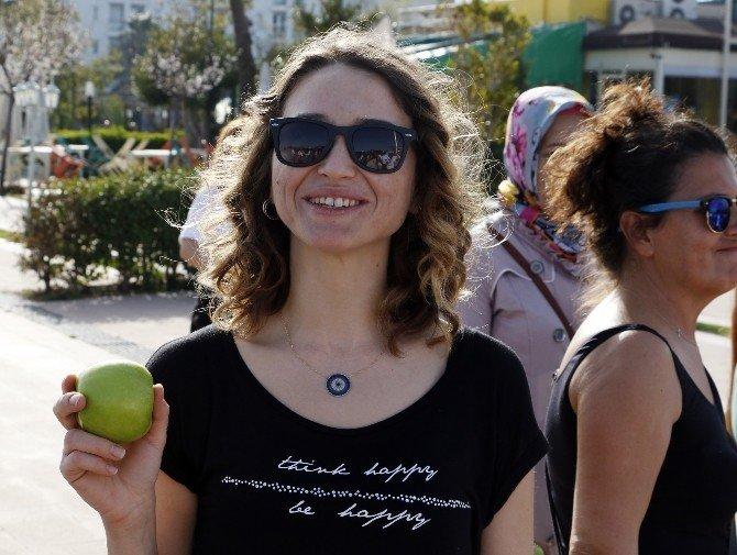 10 Bin Adım Yürüyen Yeşil Elmayı Kaptı