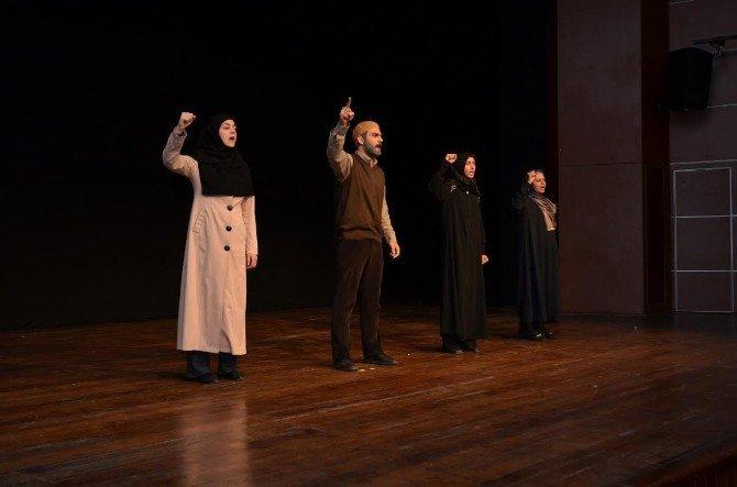 28 Şubat Sürecinin Anlatıldığı Tiyatro Oyunu Büyük Beğeni Topladı