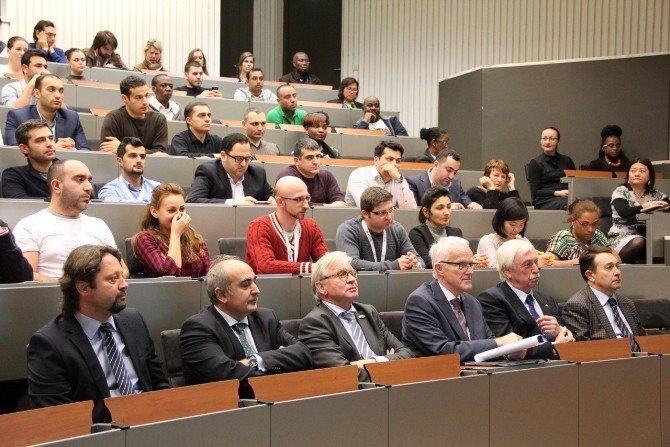 Hollanda'da 'Yükseköğretimde Liderlik Ve 3. Nesil Üniversiteler' Forumu