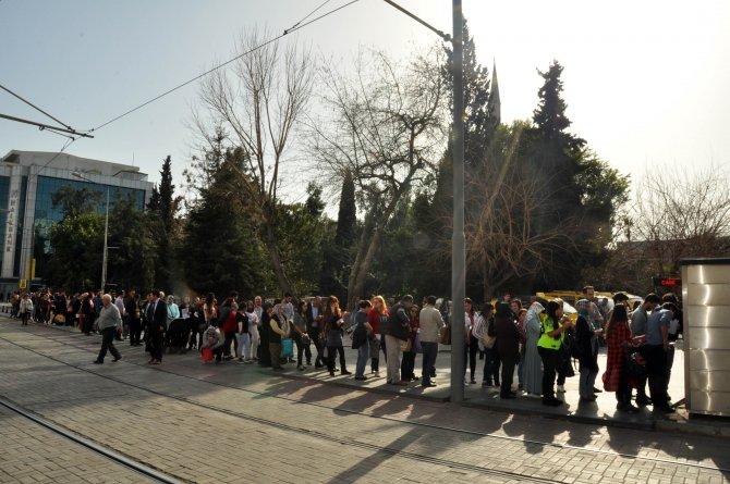 Antalya'da toplu ulaşımda nakit dönemi bitiyor, vatandaş isyanda