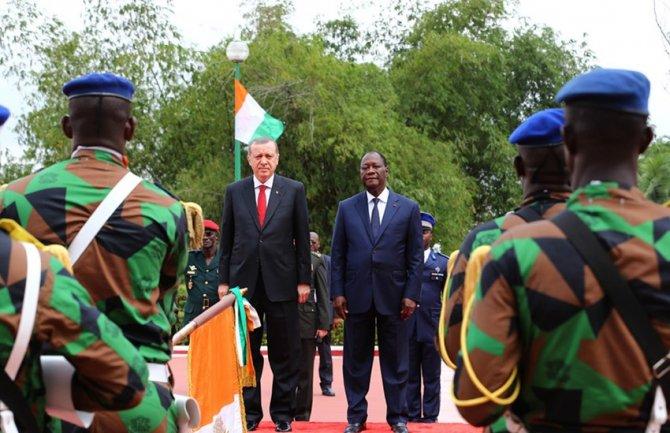 Cumhurbaşkanı Erdoğan, Başkanlık Sarayı'nda resmi törenle karşılandı